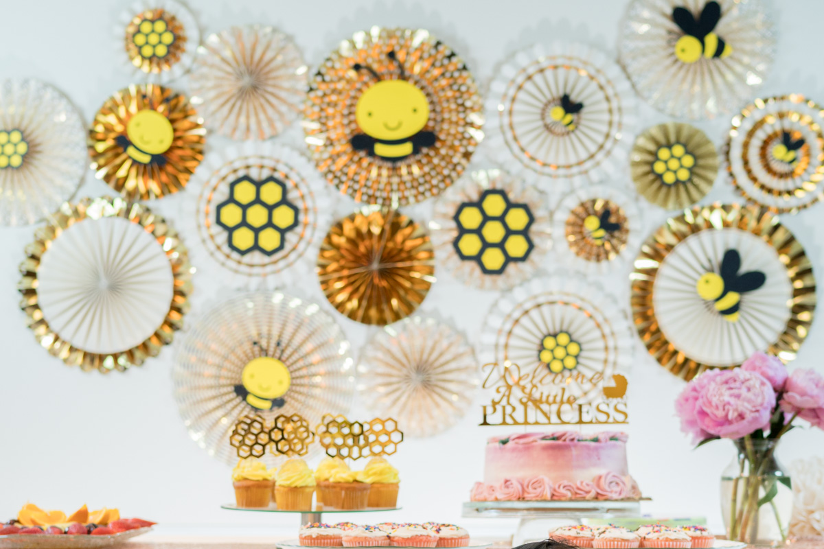 Mommy To Bee Centerpieces